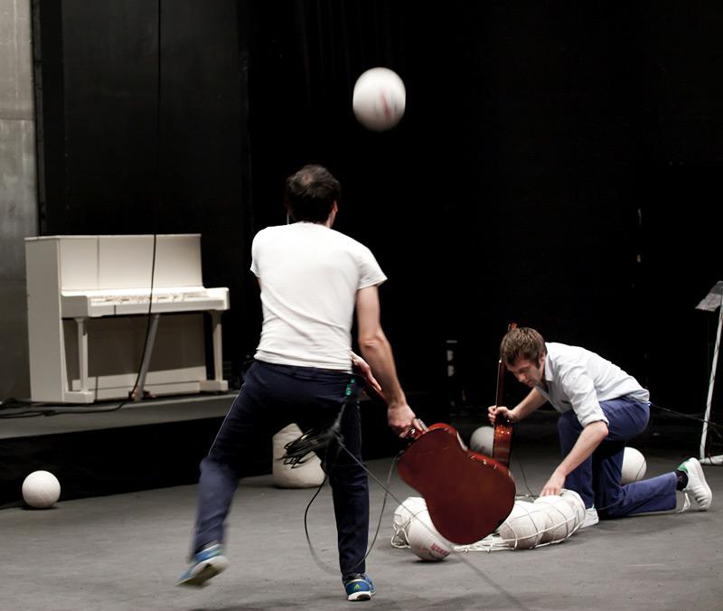 ›Antoine Defoort & Julien Fournet